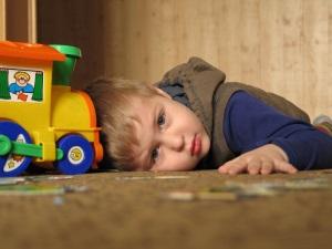 Быстрая утомляемость ребенка - признак аневризмы.