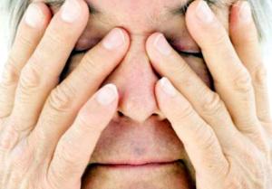 Болезненные ощущения в глазных яблоках