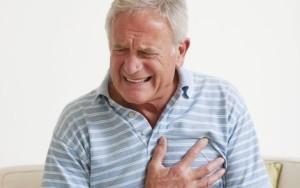 Приступы стенокардии при уплотнении стенок аорты