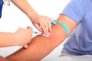 Почему рекомендуют сдавать кровь с вены натощак